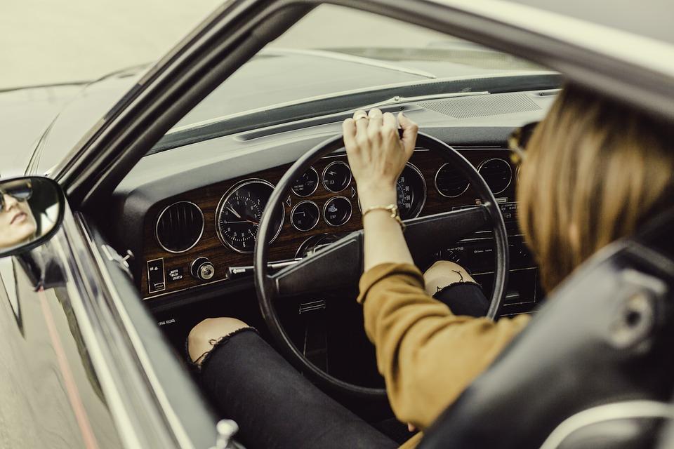 Conducir auto